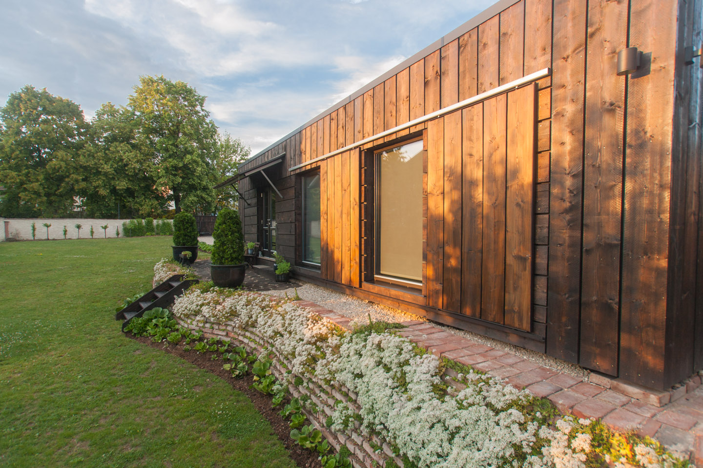 Timber House with its own spacious private garden